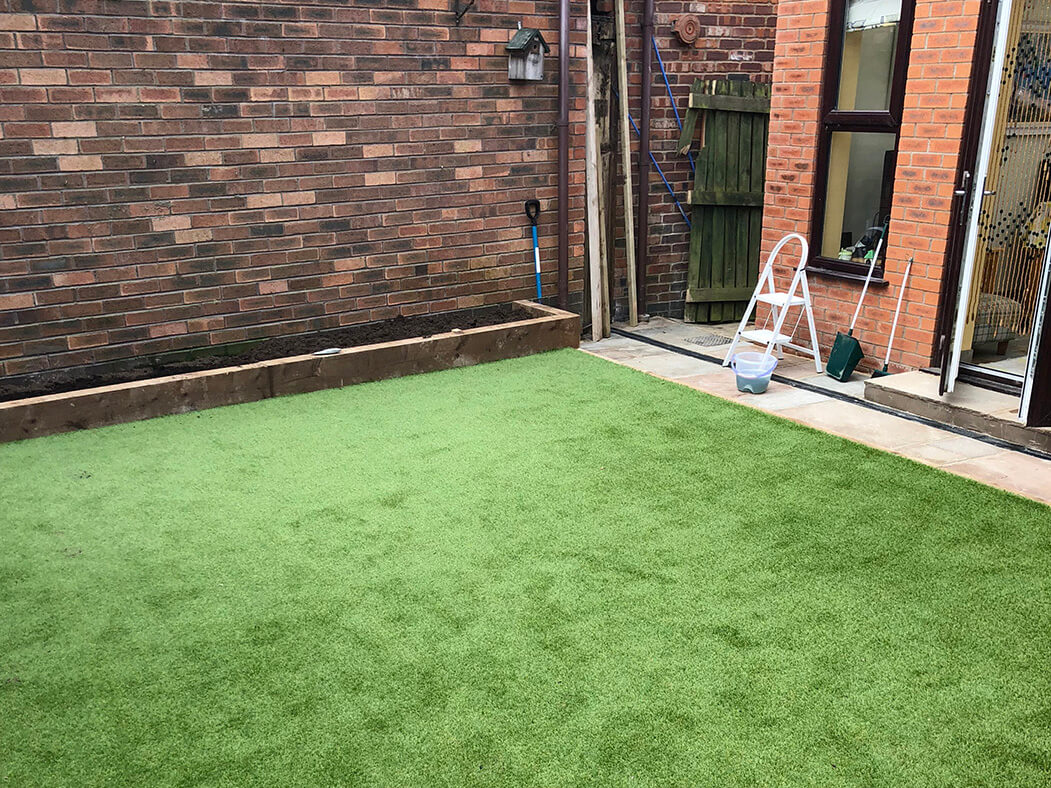photo of artificial lawn and landscaping done in lancaster, lancashire