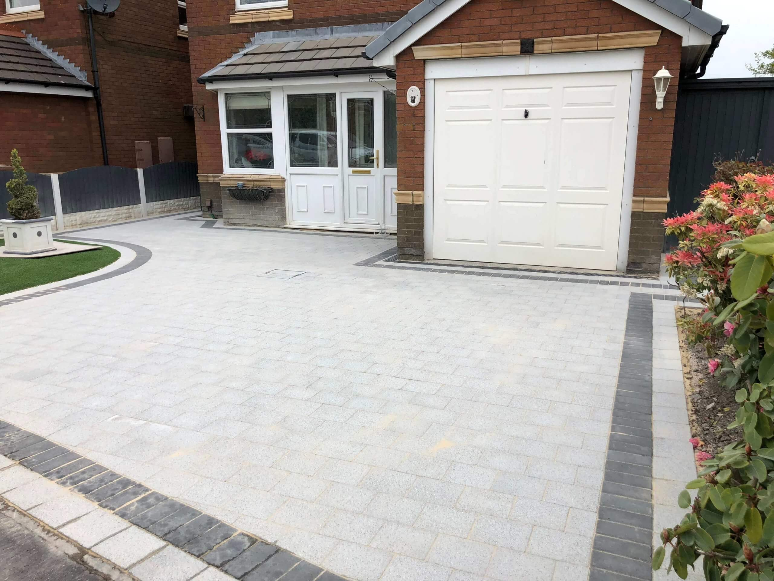 Block Paving Driveway in Lancaster, Lancashire in the colour Sienna Silver with border