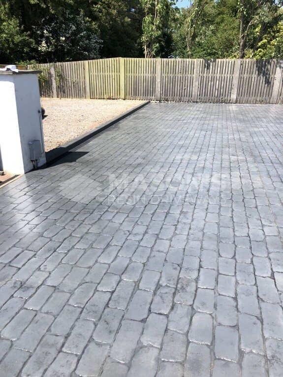wide view of cobble pattern concrete driveway lancashire