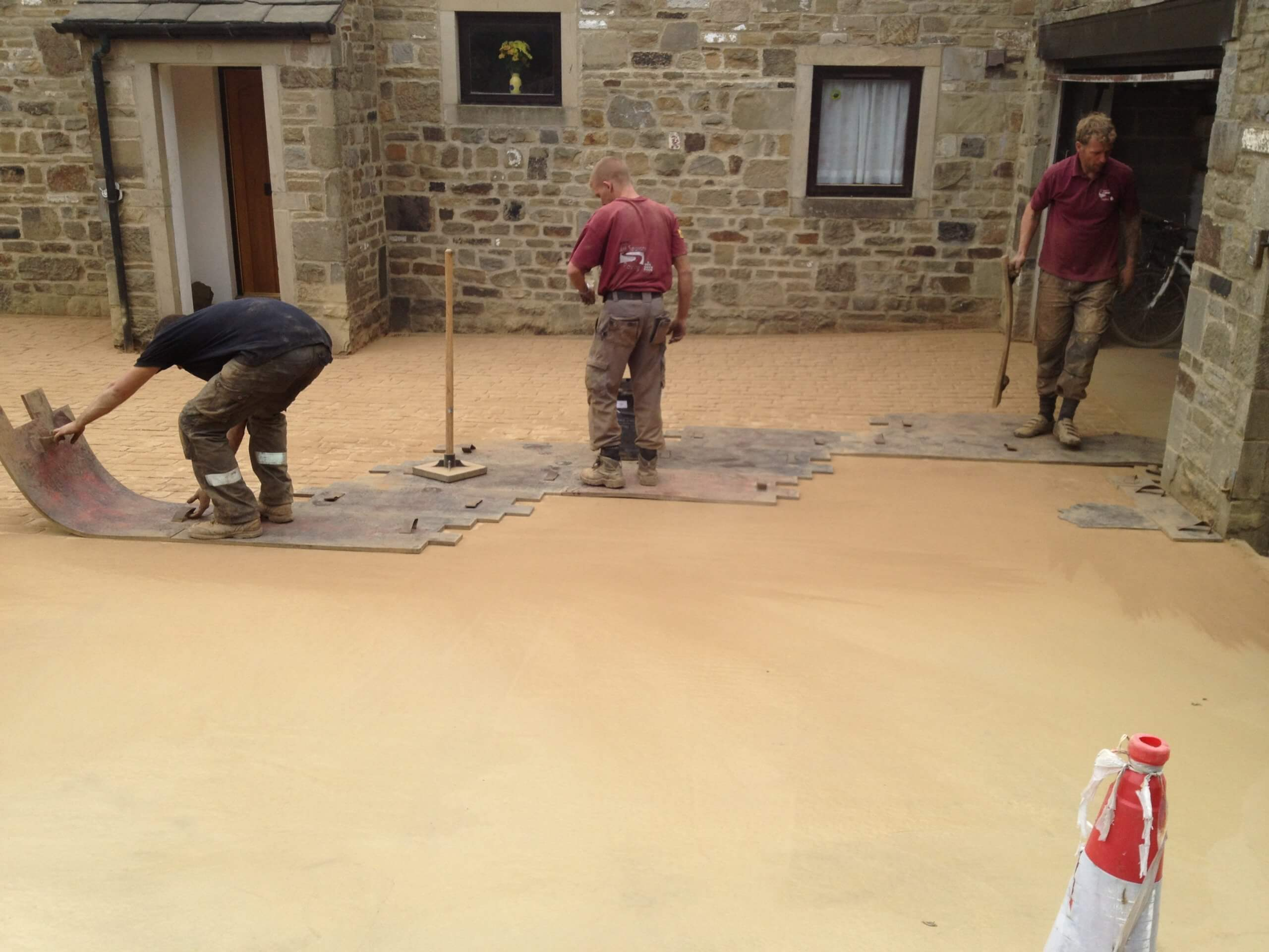 laying imprinted pattern in concrete driveway near lancashire