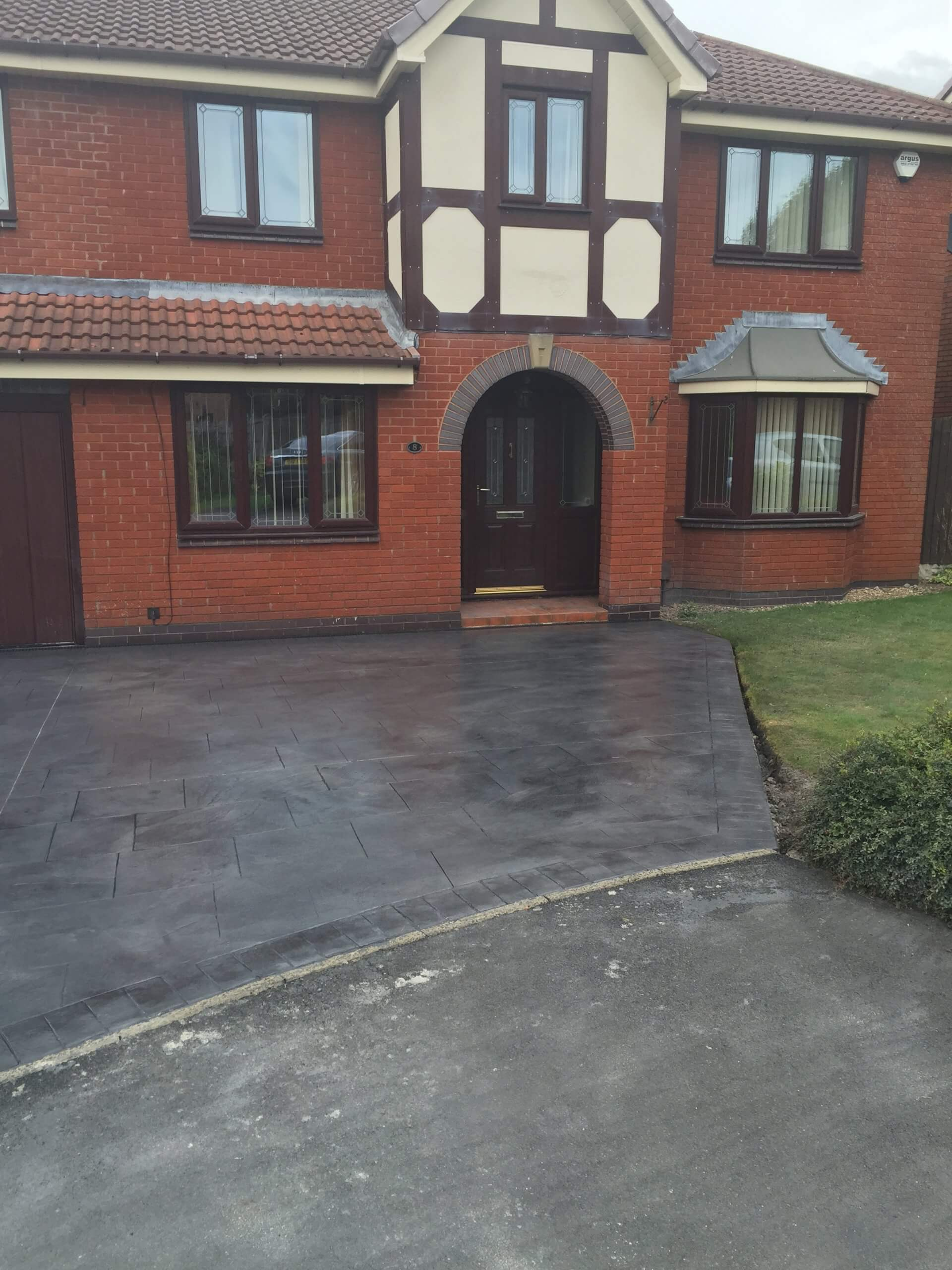 pattern imprinted concrete driveway, lancashire