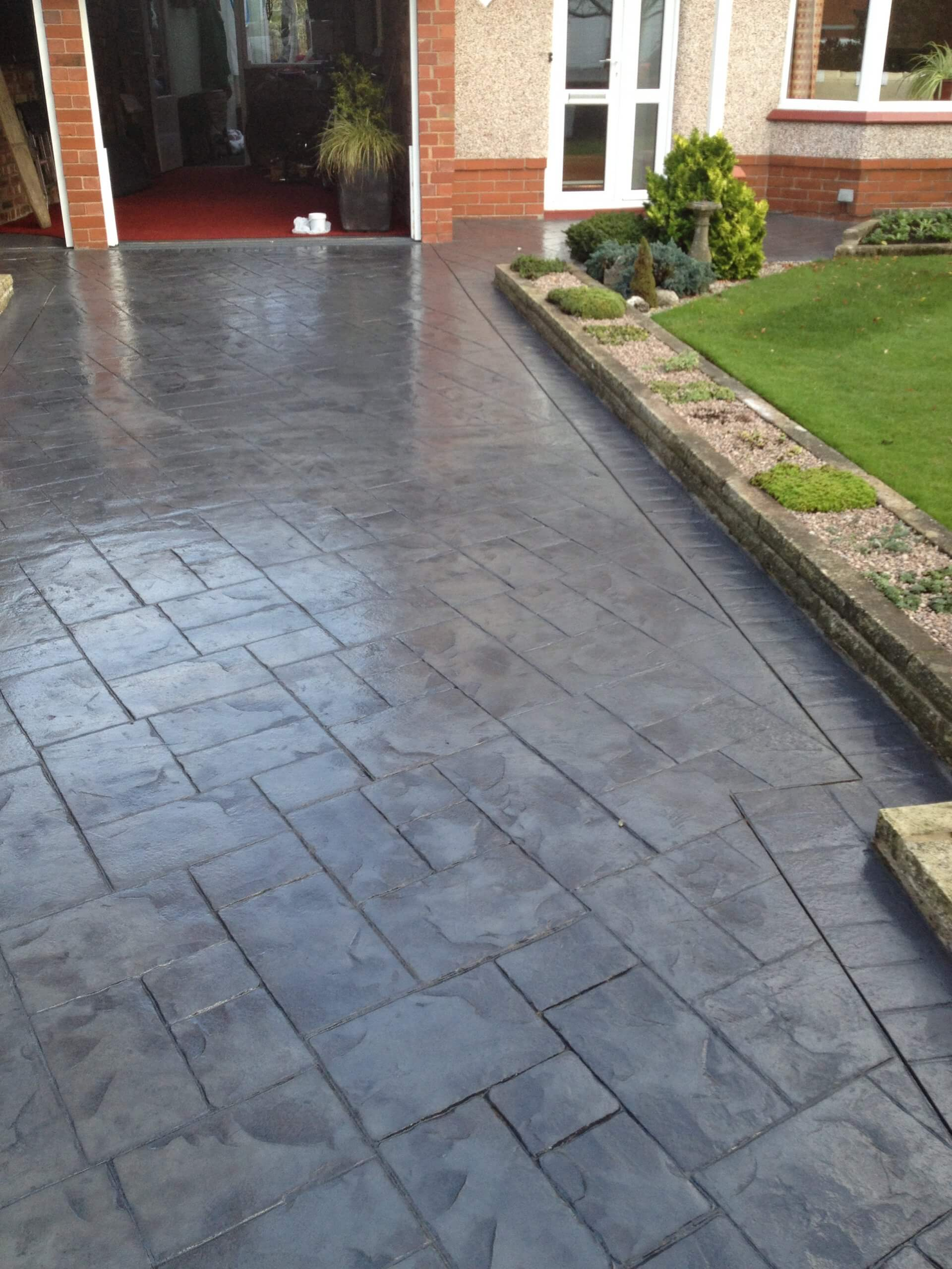 photos of pattern imprinted concrete driveway in lancashire