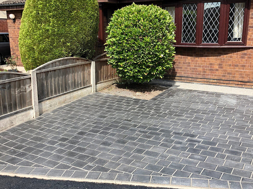 beautiful driveway on resin and landscaping job in morecambe