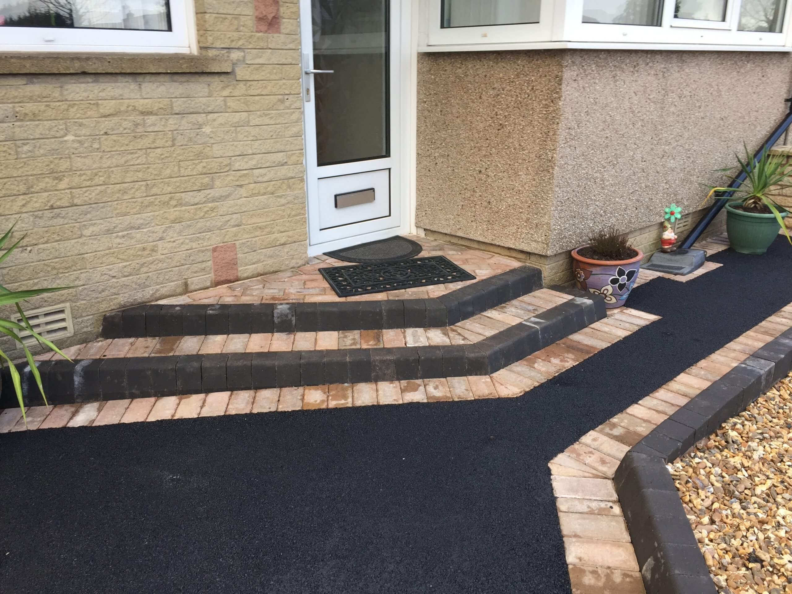 Picture Framed Tarmac Driveway in Lancaster, close up of steps