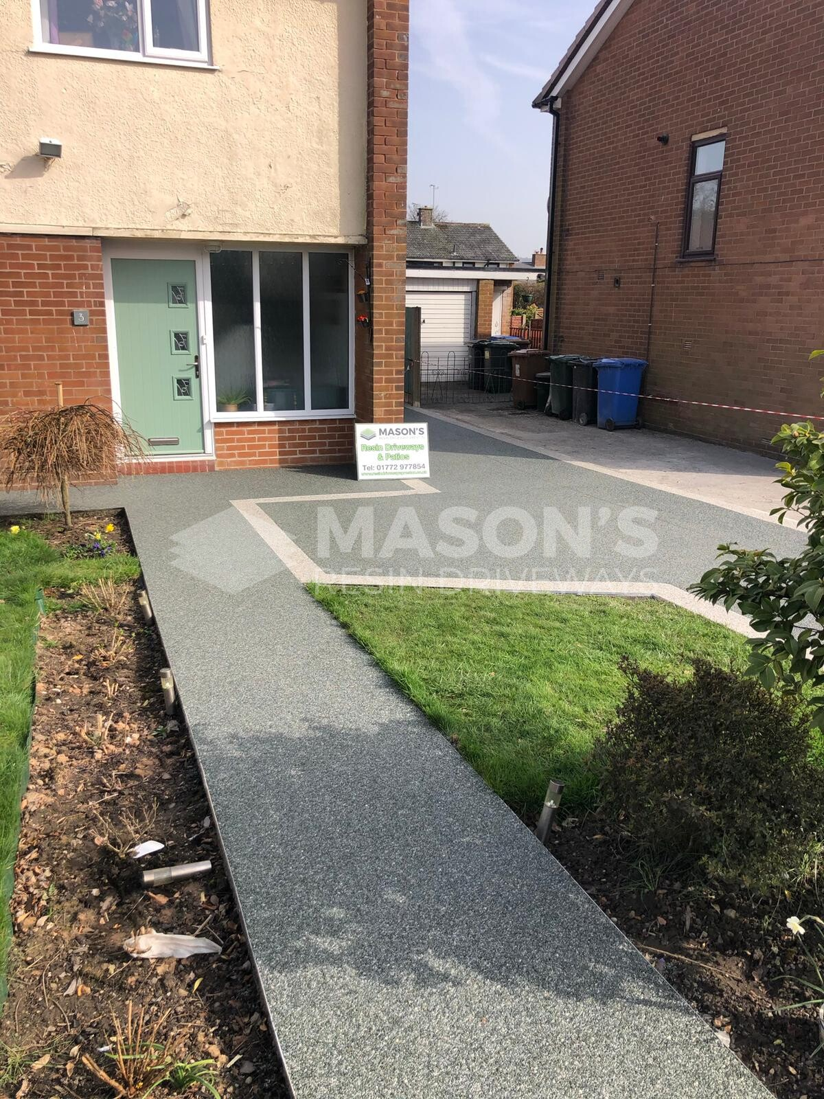 front garden view slate grey resin driveway